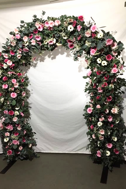 How to make a large fresh flower arch