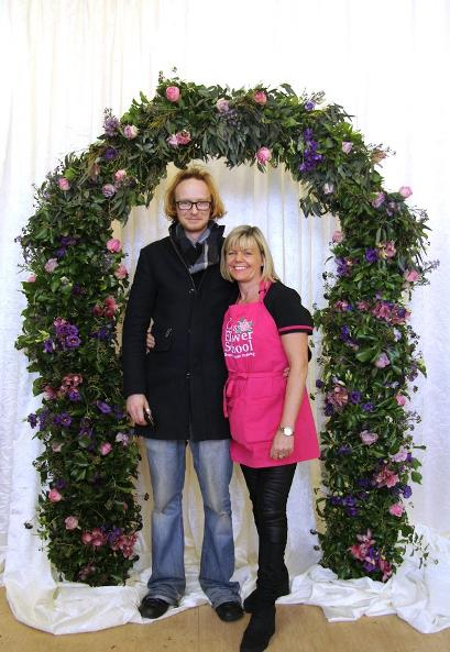 how to make a flower arch at kays flower school