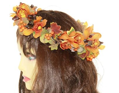 authumnal Head garland at kays flower school