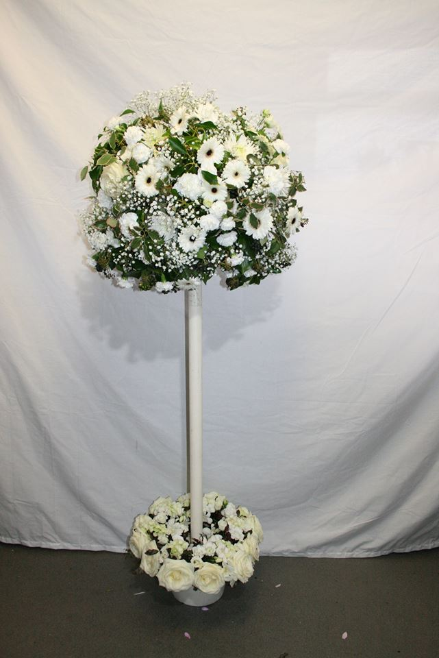 White rustic topiary tree of fresh flowers