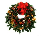 How to make a holly wreath for my door