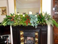 How to decorate my mantle for Christmas