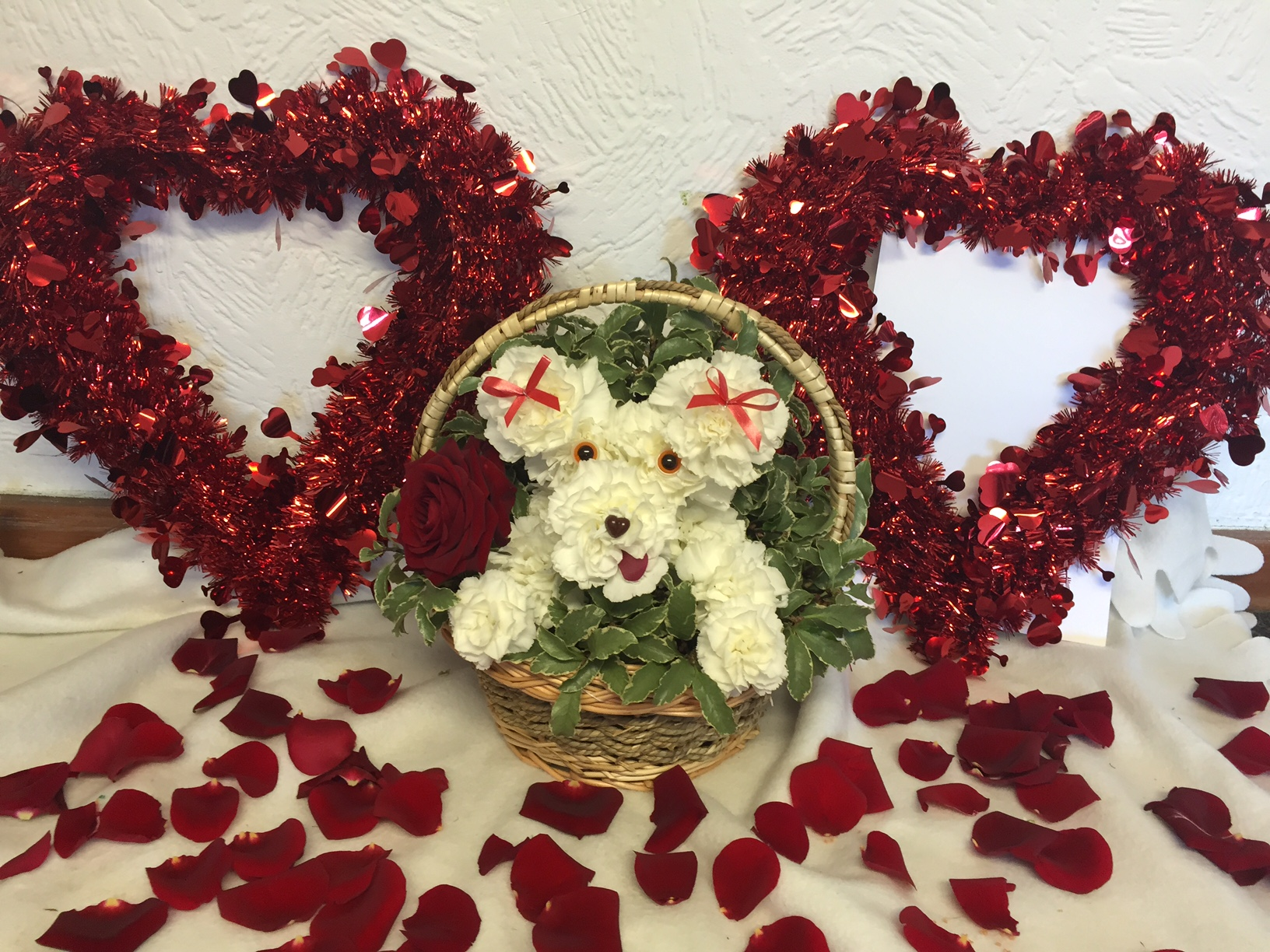 How to make a Puppy Dog in a Basket from Flowers