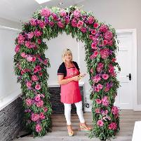How to make a fresh flower arch easy