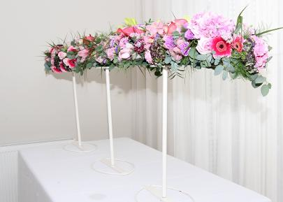 suspended table scape of flowers
