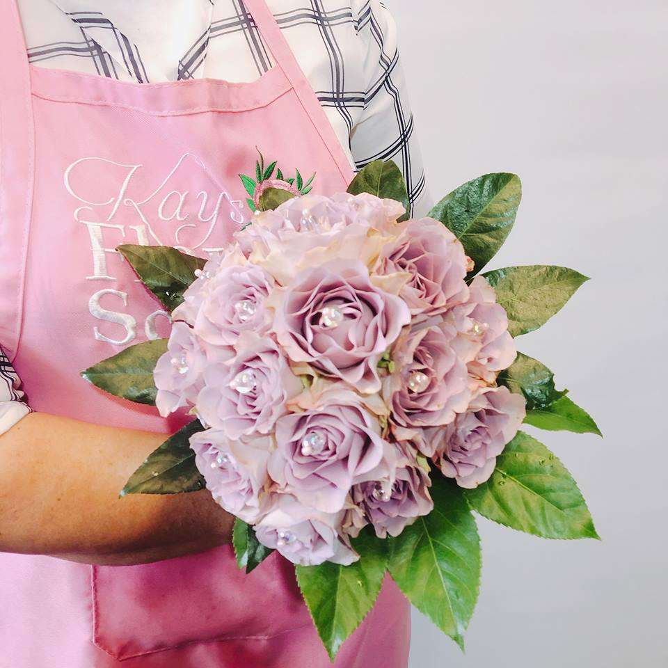 Learn how to make an all rose bouquet