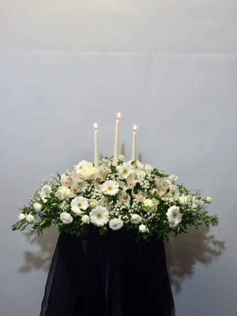 Wedding Candle arrangment of white flowers